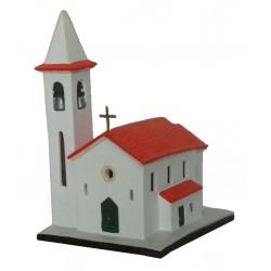Igreja pequena com uma torre